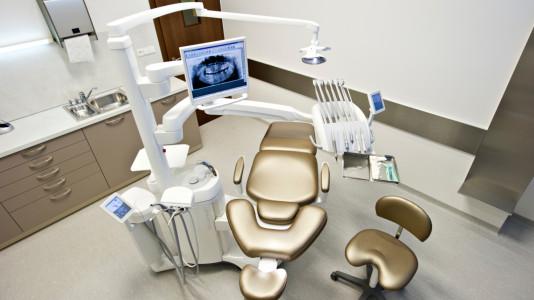 Polohovateľné pohodlné kreslá v Schill Dental Clinic